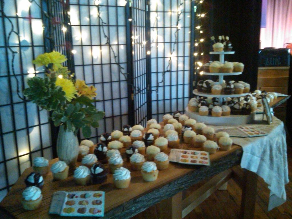 cupcake-table