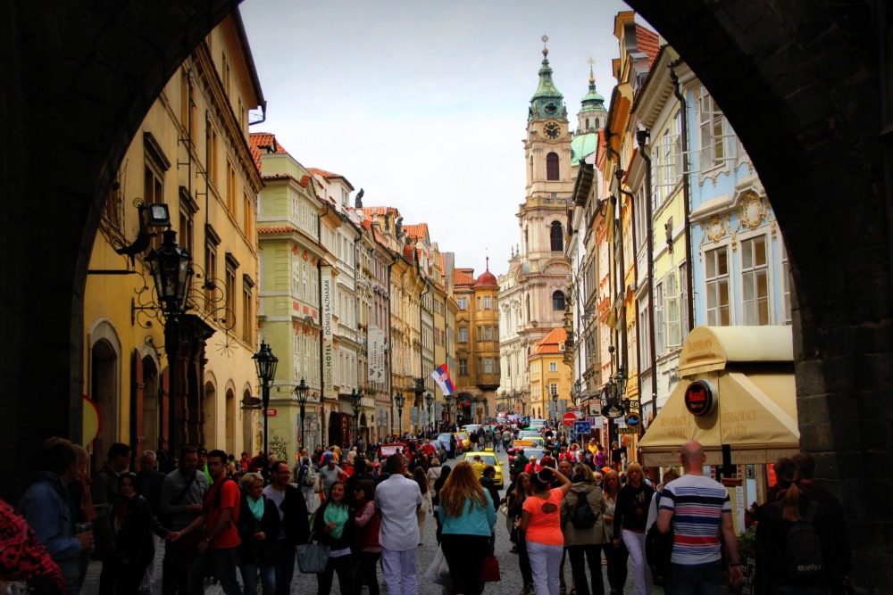 summer crowds - prague