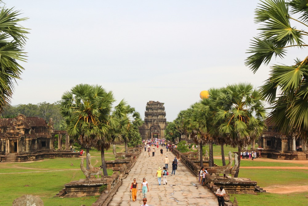 six days in the kingdom of cambodia