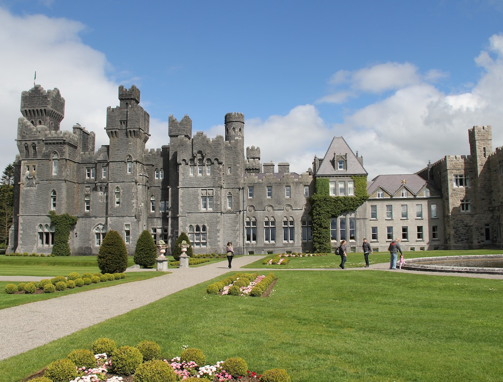 the ashford castle school of falconry