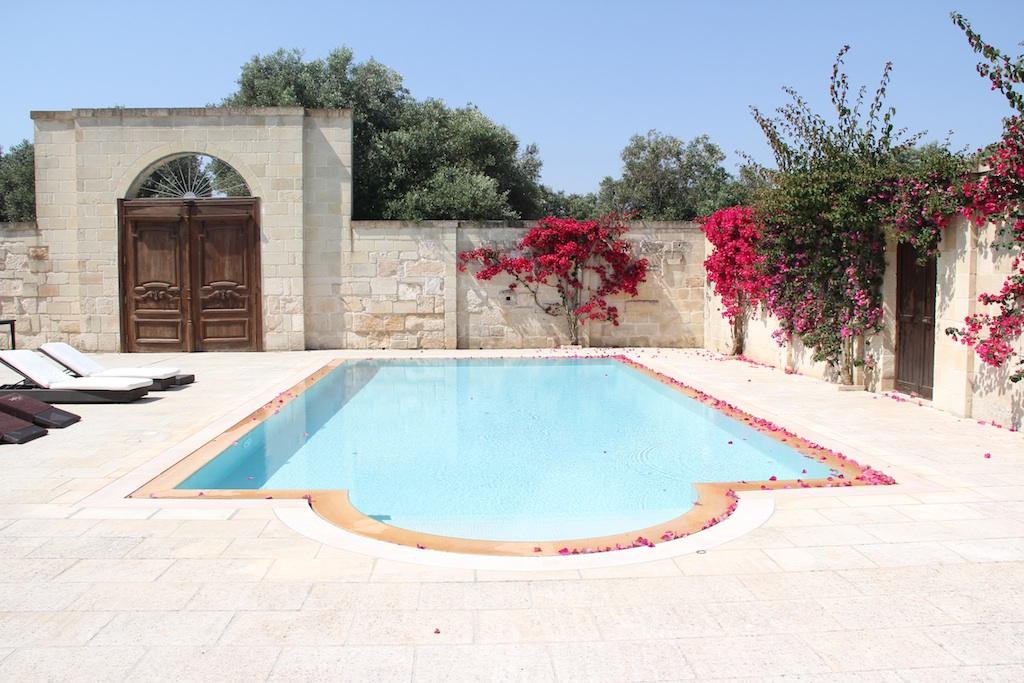 the pool - Masseria Il Trullino