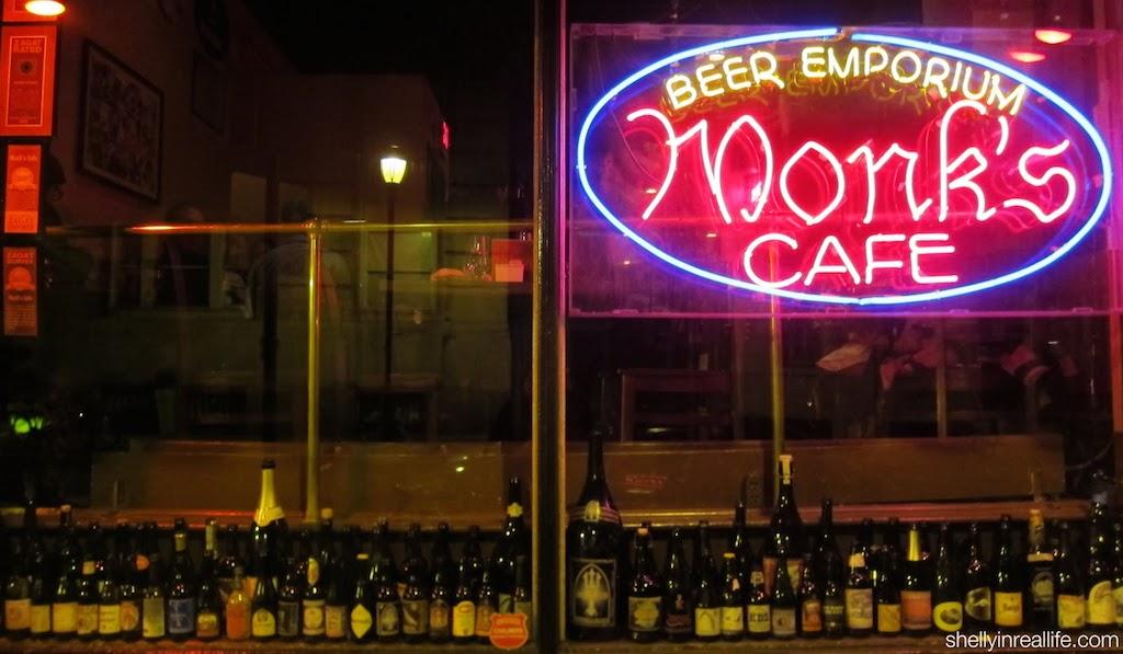 monks_cafe_01_outside