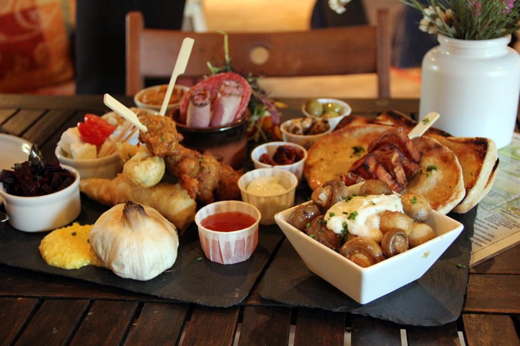 Garlic Mezze Platter