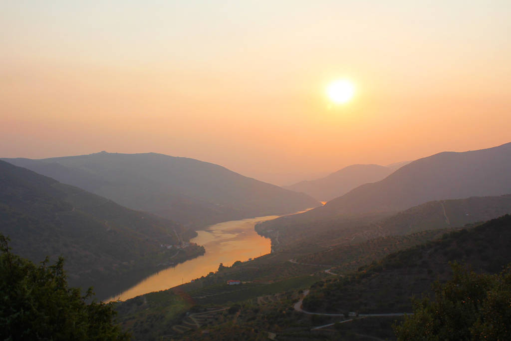 sunset-over-the-douro-valley